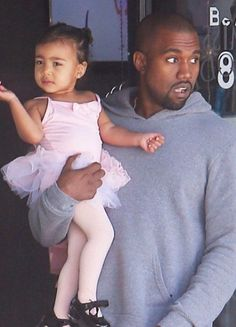 It's no secret that Kim Kardashian avoids dressing her daughter, North West, in stereotypical pink. Kim Kardashian Mother, Kim Kardashian Kiss, North West Kim Kardashian, Kim Kardashian Snapchat, Kardashian Jenner, Kanye West North West, Kanye West Kids, Kanye West And Kim, High Fashion Outfits