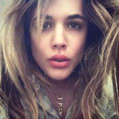 """Nuestra amiga Adriana Ugarte subió una foto a su cuenta de Instagram junto a su collar de Apodemia con el siguiente texto: """"Este leoncito Ama Apodemia"""""""