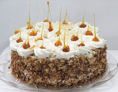 Reteta culinara Tort cu ciocolata, bezea si crema de lapte din categoriile Retete de Pasti, Torturi. Cu specific romanesc.. Cum sa faci Tort cu ciocolata, bezea si crema de lapte