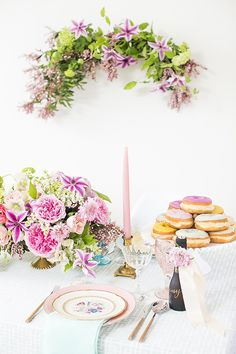 Bridal shower inspiration via 100 Layer Cake | Tabletop by Casa de Perrin