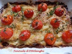 Un délice ce gratin de Fenouils d'Ottolenghi, avec ses légumes moelleux couverts d'un crumble au parmesan et décorés de tomates cerises confites.
