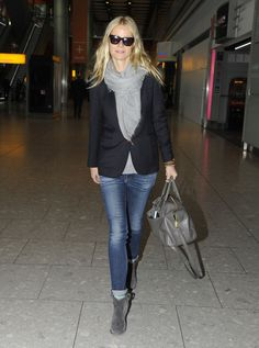Don't love the actress, but I love the outfit: modern-classic skinny jeans with a blazer and a scarf.