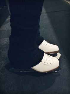 skates > regular shoes (credit to tara for the pic;D)