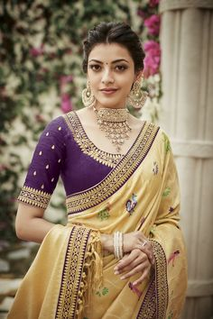 Simple blouse designs for kajal aggarwal - Indian Fashion Ideas Simple Blouse Designs, Silk Saree Blouse Designs, Saree Blouse Patterns, Blouse Neck Designs, Silk Sarees, Kajal Agarwal Saree, Saree Look, Indian Designer Outfits, Indian Outfits