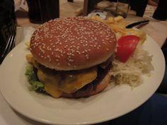 Cheeseburger im Gaffel am Dom in #Koeln http://www.ausflugsziele-nrw.net/gaffel-am-dom/