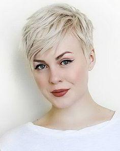 Einfache Geschnittene Blonde Kurze Haare #Pixie #PixieCut #PixieFrisuren #PixieHaarschnitt #PixieSchnitte #HairCuts #Frisuren #FrauenFrisuren