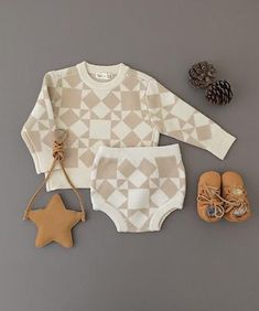 e7c7f5c1d7f14 Adorable clothes for baby from Rylee + Cru! ベビー服