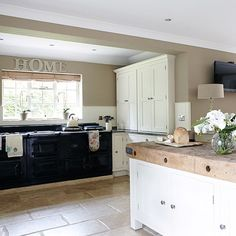 Kitchen | Herfordshire barn conversion | House tour | PHOTO GALLERY | Country Homes & Interiors | Housetohome.co.uk