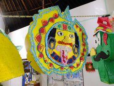 Concurso de piñatas en el Colegio Itzamna de Cancun