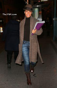 CANDID CHICKS: Christina Milian & Karrueche, Mariah, Alicia Keys & Kelly Rowland  blackwomeninboots.blogspot.com