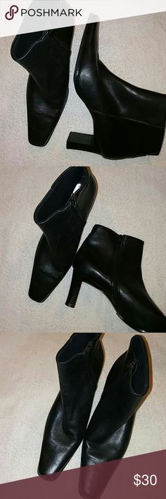 Bass Ankle Boots Size 9 M Genuine Leather..Preowned Bass Shoes Ankle Boots & Booties