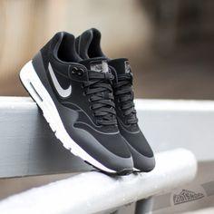 nike-wmns-air-max-1-ultra-moire-black-black-metallic-silver