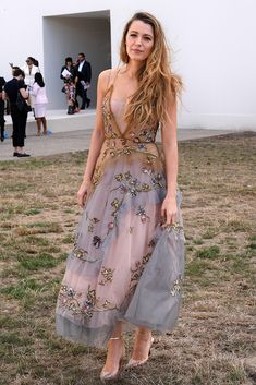 Blake Lively attending the Christian Dior Show, Paris Fashion Week Gossip Girls, Mode Gossip Girl, Estilo Gossip Girl, Gossip Girl Outfits, Gossip Girl Fashion, Gossip Girl Style, Gossip Girl Dresses, Gossip Girl Party, Blake Lively Outfits