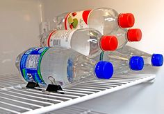 10 Tips to Organize your Fridge // use binder clips to stack your bottles // clever DIY // spring cleaning kitchen organizing Freezer Organization, Organizing Hacks, Refrigerator Organization, Cleaning Hacks, Organization Ideas, Storage Ideas, Binder Clip Hacks, Binder Clips, College Life Hacks