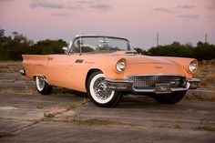 1957 Ford Thunderbird in original Salmon color Retro Cars, Vintage Cars, Antique Cars, Vintage Style, Ford Classic Cars, Classic Trucks, Ford Motor Company, Convertible, Car Restoration