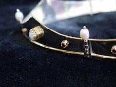 Hinged baronial coronet w/moonstones from darkridgejewels.com