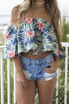 - Floral top features off the shoulder sleeves and no lining - Material is Polyester and Cotton - Made in the USA - Model Addison is 5'7 wearing a small Bust Length Small 13 11 Medium 14 12 Large 15 1