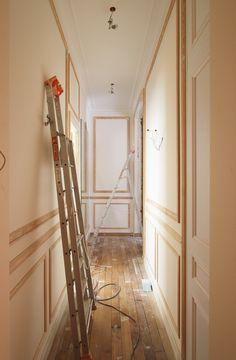 http://rehab.abkasha.com/wp-content/uploads/2013/07/IMG_4928.jpg- picture frame molding