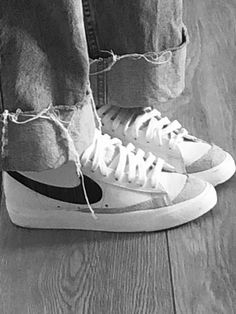 Hype Shoes, On Shoes, Me Too Shoes, Shoes Sneakers, Trendy Shoes, Casual Shoes, Aesthetic Shoes, Dream Shoes, Shoe Game