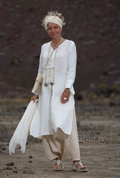 White linen side slit summer tunic with long sleeves and sarouel skirt Fashion Wear, Boho Fashion, Womens Fashion, Casual Work Outfits, Cool Outfits, Summer Tunics, Natural Clothing, Mode Boho, Mature Fashion