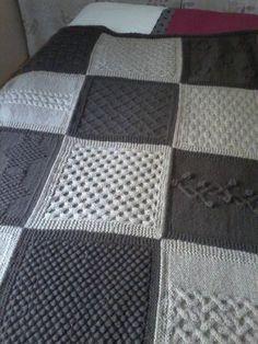 Crochet blanket patterns 382524562073596278 - boucle d'or Source by majupodi Crochet Quilt, Crochet Motif, Crochet Stitches, Granny Square Häkelanleitung, Granny Square Crochet Pattern, Knitting Designs, Knitting Patterns, Crochet Patterns, Blanket Patterns