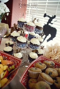 Cowboy themed Baby Shower...simple yet fun!