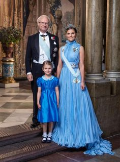 KIng Carl XVI Gustaf of Sweden, H. Crown Princess Victoria of Sweden, Duchess of Vastergotland & H. Princess Estelle of Sweden, Duchess of Ostergotland Princesa Estelle, Princesa Sophia, Princess Victoria Of Sweden, Crown Princess Victoria, Victoria Prince, Estilo Real, Style Royal, Swedish Royalty, Casa Real