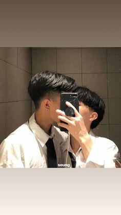 Boys Korean, Korean Boys Ulzzang, Korean Couple, Ulzzang Couple, Ullzang Boys, Ullzang Girls, Gay Lindo, Parejas Goals Tumblr, Tumblr Gay