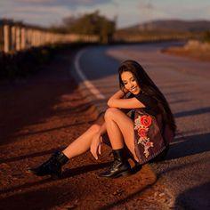 Uma Luciana ja humilha. E 4?  @luchamone .  .  .    #pordosol #photooftheday #picoftheday #ensaio #grlpwr #photographer #fotografia #ensaiofeminino #ensaiofotografico #photo #girl #fashion #model #femalemodels #modeling #models #belohorizonte #instamood #fotografabh #fotografa #sunset #sun #modelo