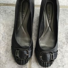 """Black Peather Pumps with Wedge Heels All leather black pumps with silver/black buckles by Andrew Geller. 2.5"""" wedge heels  barely worn   Very slight scuffing on back but only visible up close. Heels are in great shape. Very comfy with padded insoles   8.5 Medium. Andrew Geller Shoes Heels"""
