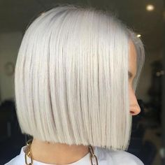 Ice Blonde Hair Colors for Winter 2020 That'll Have You Feeling Like Elsa Ice Blonde Hair, Silver Blonde Hair, Icy Blonde, Platinum Blonde Hair, White Blonde Bob, Short White Hair, Pearl Blonde, Dark Hair, Blonde Roots
