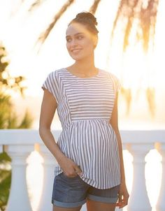 Maternity Clothes Discover Cotton Stripe Maternity & Nursing Top Seraphines Cotton Stripe Maternity & Nursing Top is a flattering option when it comes to maternity & nursing cloths - perfect before during and after pregnancy. Sewing Maternity Clothes, Maternity Coat, Maternity Nursing Dress, Cute Maternity Outfits, Nursing Clothes, Nursing Tops, Stylish Maternity, Pregnancy Outfits, Maternity Fashion