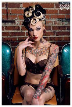 Tori Lane. I put it under the vintage board bcuz it looks a bit pin up to me.