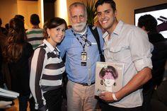 Paulo Martinez, editor de moda da revista Mag!, no lançamento da nova edição. Tem Vionee ali!