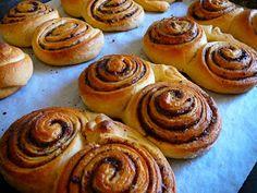 Receptműves: Kakaós csiga (tej- és tojásmentes, vegán) Tej, Muffin, Breakfast, Food, Breakfast Cafe, Muffins, Essen, Yemek, Meals