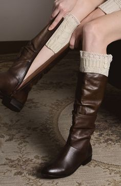 Leto Collection Ivory Cable-Knit Boot Cuff