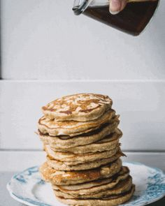 Honey and oat pancakes crepes, brunch recipes, breakfast recipes, pancakes Brunch Recipes, Breakfast Recipes, Breakfast Healthy, Health Breakfast, Healthy Eating, Pancakes And Waffles, Honey Pancakes, Thin Pancakes, Oatmeal Pancakes