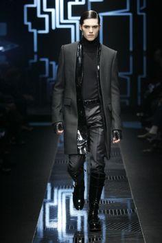 Versace Men's Fall/Winter 2010 Collection TheGloss