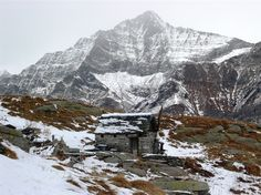Alpe Mött, 1941m Switzerland, Mount Everest, Hiking, Mountains, Nature, Travel, Photos, Walks, Naturaleza