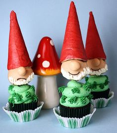 Great dwarf (Gartenzwerg) cupcakes - they made me laugh