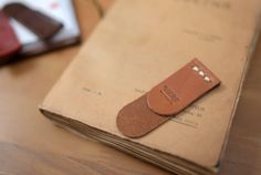 Leather Art, Sewing Leather, Leather Gifts, Leather Books, Custom Leather, Leather Design, Leather Jewelry, Leather Scraps, Leather Keychain