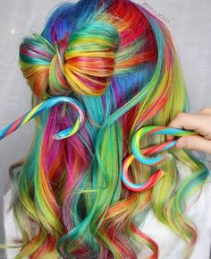 Rainbow bow hairstyle.  Repinned