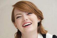 Emma Stone Pretty Smile - HD Wallpapers - Free Wallpapers - Desktop Backgrounds