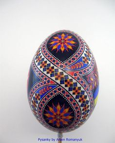 The colorful art of decorating EASTER EGGS, or PYSANKY, has been a Ukrainian tradition for over ten centuries. Growing up Ukrainian meant that Easter would Cool Easter Eggs, Ukrainian Easter Eggs, Ukrainian Art, Easter Egg Pattern, Carved Eggs, Easter Egg Designs, Egg Crafts, Faberge Eggs, Egg Art