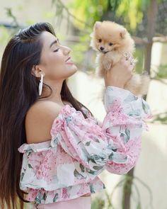 Beautiful Love Pictures, Beautiful Girl Photo, Celebrity Photography, Girl Photography Poses, Ayeza Khan Wedding, Stylish Photo Pose, Stylish Dpz, Indian Bollywood Actress, Stylish Girl Images
