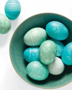 Lace Easter Eggs How-To