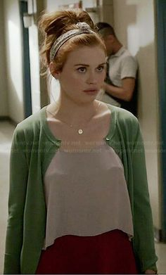 Lydia's red shorts, cropped cami and green cardigan on Teen Wolf. Outfit Details: http://wornontv.net/35224/ #TeenWolf