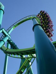Raptor, Cedar Point, Ohio-- I've heard Cedar Point is awesome. Idk, throwing it out there :) Best Roller Coasters, Cool Coasters, Roller Coaster Ride, Water Park Rides, Water Parks, Best Amusement Parks, Amusement Park Rides, Cedar Point Ohio, Kings Island
