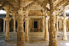 Get detailed information on top tourist destinations and Places to visit in Mount Abu. Dilwara Jain Temples, Nakki Lake, Toad Roak, Gau Mukh temple are top tourist places to see in Mount Abu