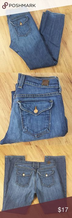 """Lucky Classic Rider Jeans Sits above the waist with a higher front and back rise.   Slightly curvy through the hip and thigh, with a 17 bootcut leg opening.  GUC, some signs of wear  Flat waist measurement 15""""  Inseam 30"""" Lucky Brand Jeans Boot Cut"""